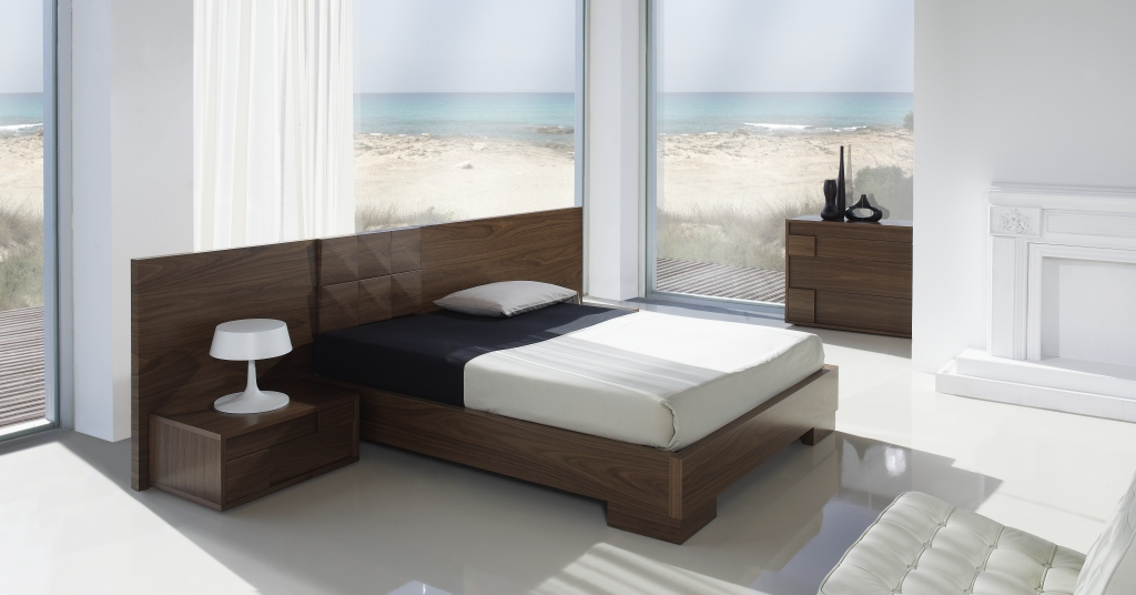 Outstanding Modern Bedroom Furniture Italy 1024 x 536 · 160 kB · jpeg